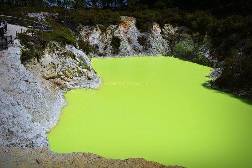 Devil's Bath – New Zealand's Neon Green Sulphur Pond