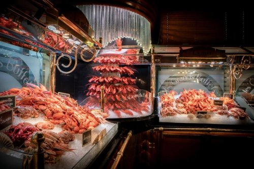 Les Grands Buffets – Probably the World's Most Impressive All-You-Can-Eat Buffet