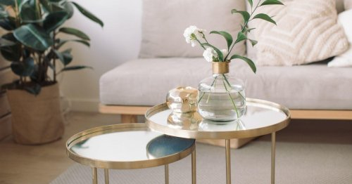 Give Your Living Room a Wow Factor with These Inexpensive Unique Coffee Tables