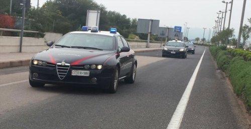Picchia la ragazza in pieno centro a Olbia e un altro giovane intervenuto per salvarla: arrestato