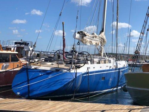 Evasione fiscale per 330mila euro, sequestrato maxi yacht a vela