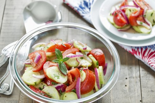 Cucumber, Onion, and Tomato Salad – A Summertime Staple Recipe
