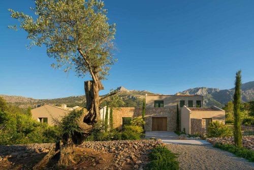 A Mediterranean style dream home immersed in nature in Mallorca