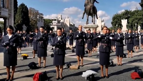 Former Alitalia Employees Have Flash Mob Protest, Strip Off Uniforms