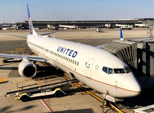 """Oops: How Did United Boeing 737 """"Tip"""" Backward? - One Mile at a Time"""