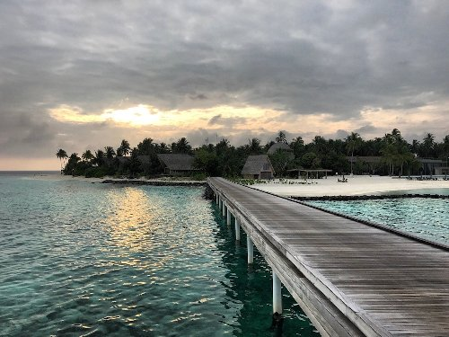 Maldives Plans To Offer Vaccines To Tourists | One Mile at a Time