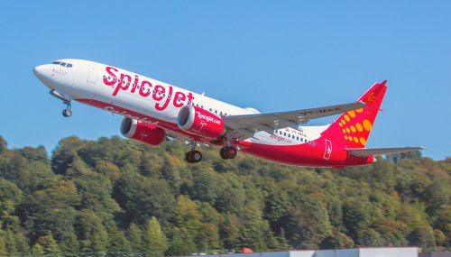 SpiceJet Crew Stuck On Plane For Overnight Layover | One Mile at a Time
