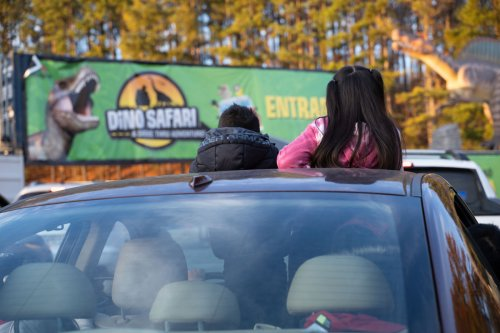 Dino Safari, A Drive-Thru Dinosaur Adventure Is Coming To Wisconsin