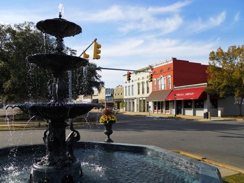 7 Small Towns In Alabama That Are Full Of Charm And Perfect For A Weekend Escape