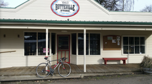 A Trip To One Of The Oldest General Stores In Oregon Is Like Stepping Back In Time