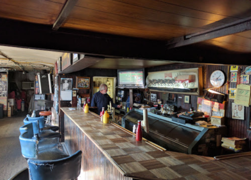 Visit Brown's Diner, The Small Town Eatery In Nashville That's Been Around Since The 1920s