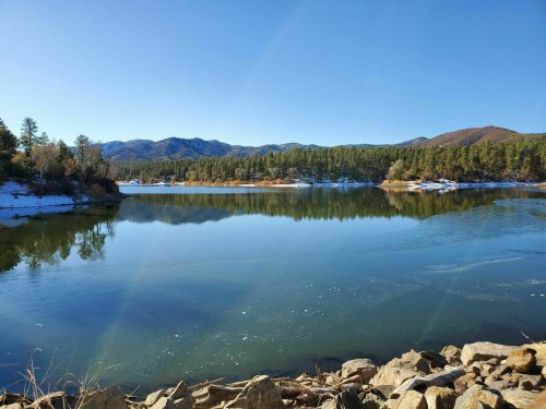 Make A Splash At These 7 Crystal-Clear Lakes In Arizona This Summer