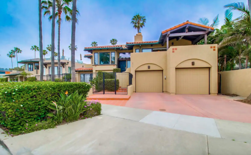 Forget The Resorts, Rent This Charming Waterfront House In Southern California Instead