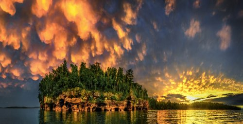 Kayak Through Sea Caves And Explore Untamed Wilderness On Lake Superior's Apostle Islands