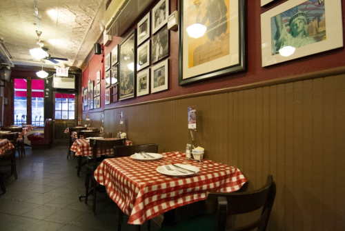 The Oldest Pizza Restaurant In The U.S. Is New York's Lombardi's And It's Delicious