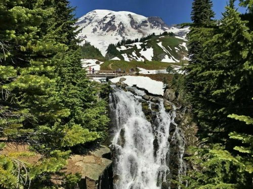 Hike Less Than Half A Mile To This Spectacular Waterfall In Washington