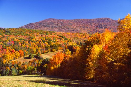 9 Of The Most Beautiful Fall Destinations In Massachusetts
