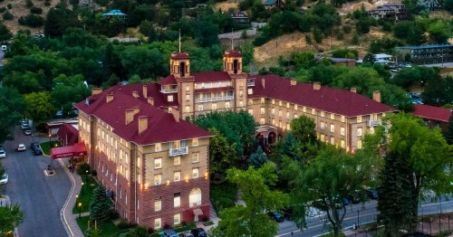 The Historic Hotel Colorado In Colorado Is Notoriously Haunted And We Dare You To Spend The Night