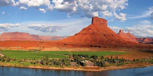 This River Cabin Resort In Utah Is The Ultimate Spot For A Getaway