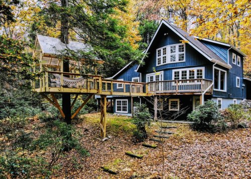 Wake Up On Top Of A Mountain At This Pocono Mountains Airbnb In Pennsylvania
