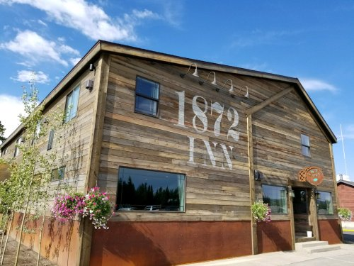Relax At This Adults-Only Boutique Hotel At The Gateway To Yellowstone National Park In Montana
