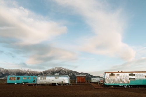 Turn Back The Clock And Spend A Night Under The Stars At This Vintage Trailer Hotel In New Mexico