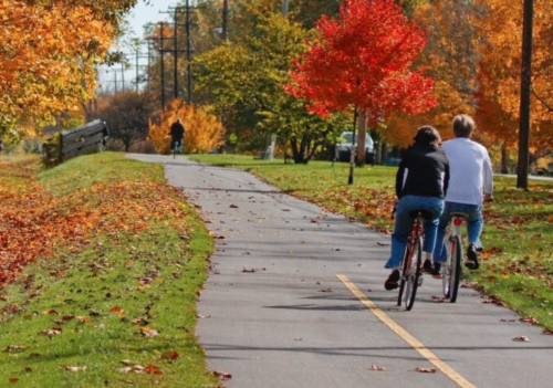 Fall Is The Perfect Time To Visit This Picturesque Small Town In Ohio