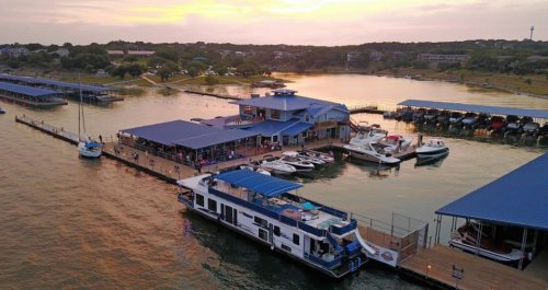 This Floating Restaurant In Texas Is Such A Unique Place To Dine