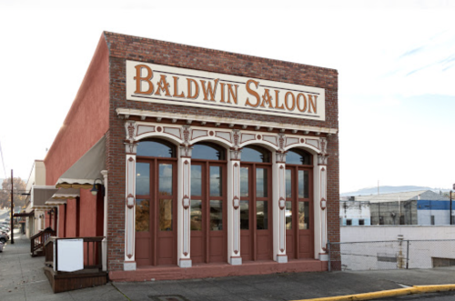 Dine At An Authentic Saloon At This Historic Restaurant In Oregon For A Trip Back In Time
