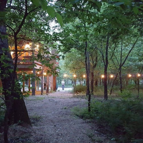 Stay Overnight At Rock Creek Retreat, A Spectacularly Unconventional Treehouse In Oklahoma