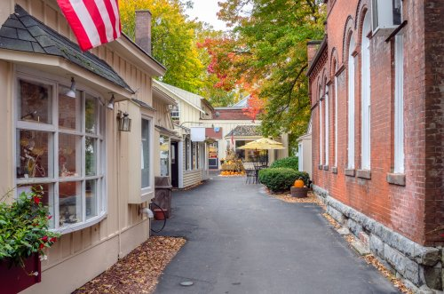 7 Small Towns In Massachusetts That Are Full Of Charm And Perfect For A Weekend Escape