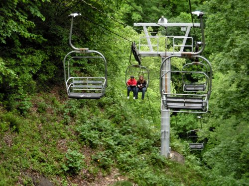 You Can Take A Chairlift To Natural Tunnel In Virginia, Considered The 8th Wonder Of The World