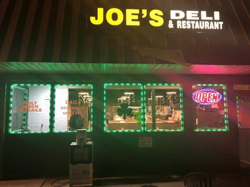 Visit Joe's Deli and Restaurant, the Small Town Diner Near Cleveland That's Been Around Since the 1970s