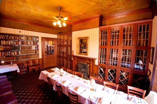 The Library Restaurant Is An Old-School Steakhouse In New Hampshire That Hasn't Changed In Decades