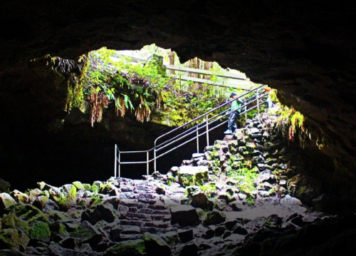 Hike Through Ape Cave Lava Tube in Washington For An Incredible Underground Adventure