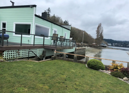 Relax Right On The Water At Anchor Down Inn In Washington