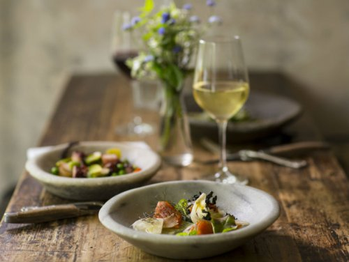 8 Popular Dry White Wines For Cooking
