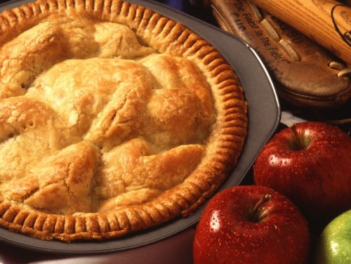 Classic Apple Pie Recipe That's Perfect For Summer