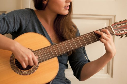 Start Playing in a Day With These Easy Songs to Learn on Guitar