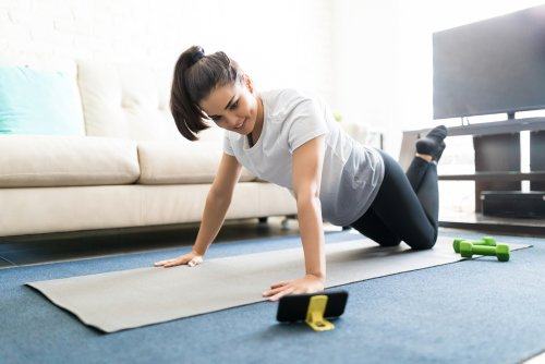 Stay Active During Quarantine: Best At-Home Workouts
