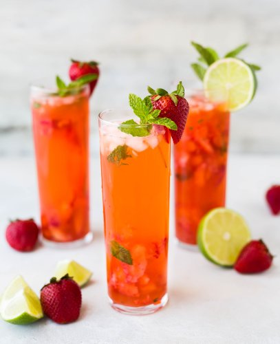 11 Tasty Wine Cocktails To Help You Through The Heat