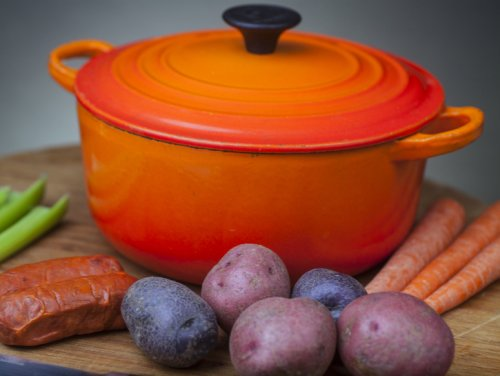 What Is A Dutch Oven And How Do You Use It?