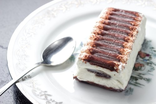 Calling All '90s Kids! This Long-Lost Ice Cream Cake Is Back
