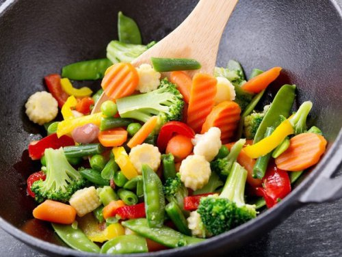8 Tips For Cooking Frozen Vegetables And Maximizing Their Flavor