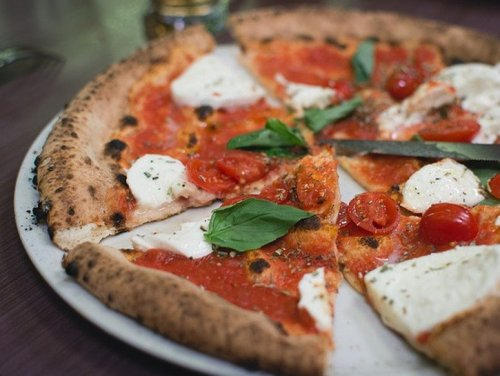 How To Make Classic Margherita Pizza