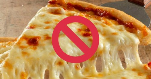 Twitter Throws Shade On Cheese Pizza, Some Claiming It's Worst Than Pineapple Pizza