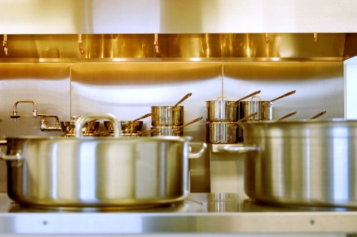 3 Signs You Should Toss Out Your Pots and Pans ASAP