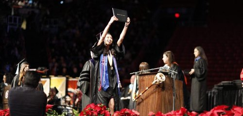 Border Patrol to allow Mexican parents of UTEP graduates to cross border for commencement