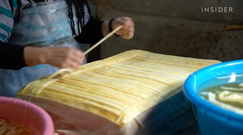 How Egyptian Papyrus Is Made: Watch Artisans Keep a 5,000-Year-Old Art Alive