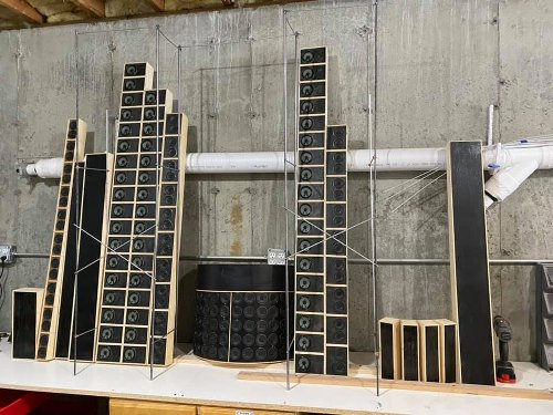 """Grateful Dead Fan Creates a Faithful Mini Replica of the Band's Famous """"Wall of Sound"""" During Lockdown"""